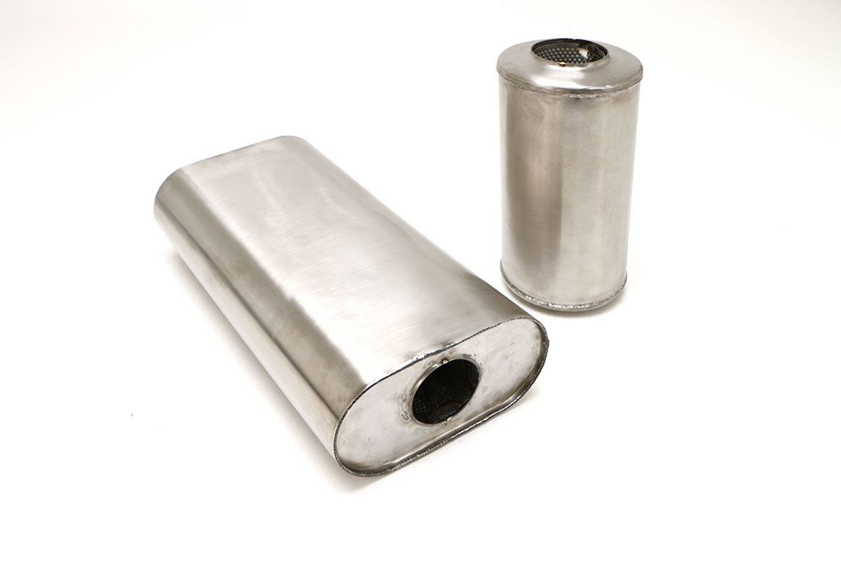 "Universal Benchmark Muffler – 2.5"" CENTER in/CENTER out 9""x5""x16"" #WMUF-0600"